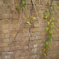 cracks to retaining wall